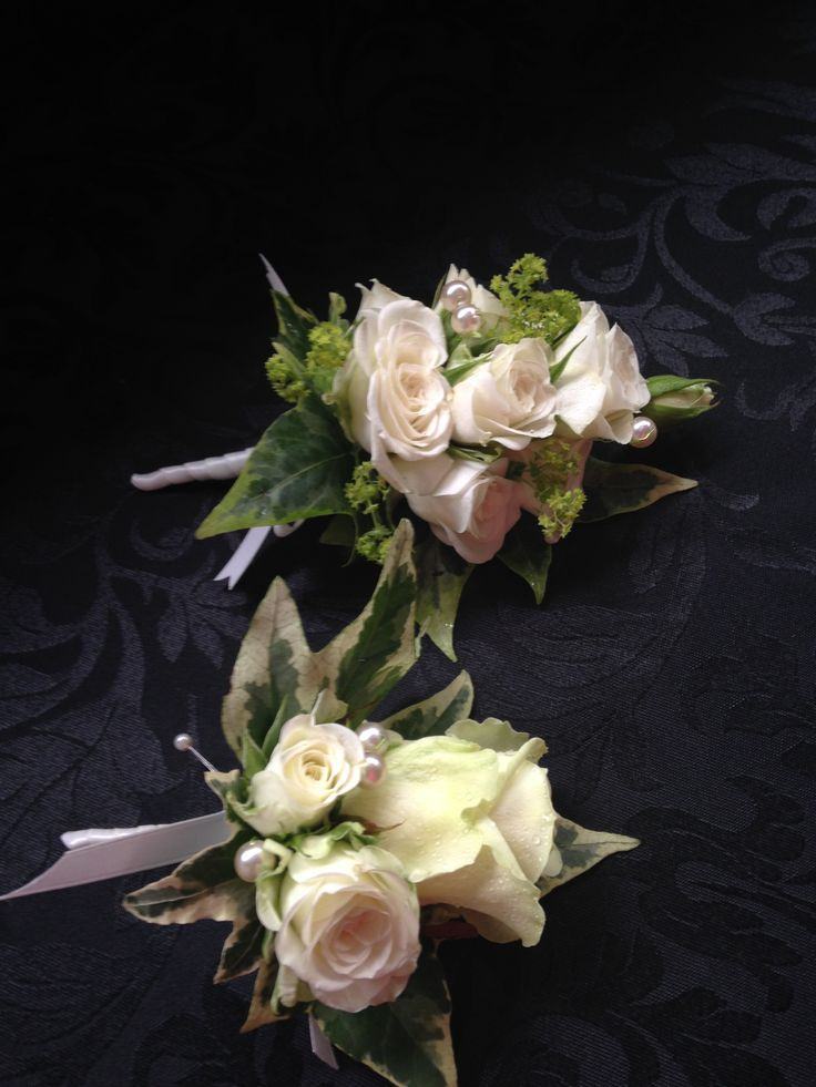 Mother of the Bride and Groom corsages.
