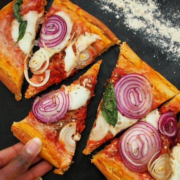 les 25 meilleures idées de la catégorie pate a pizza moelleuse sur