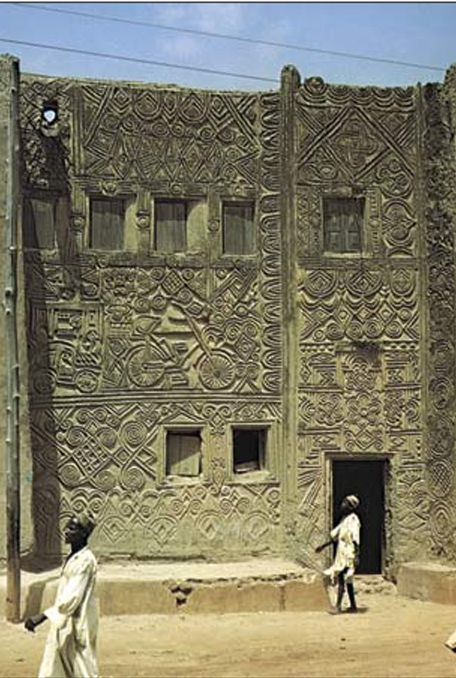 Africa   Hausa building with molded low-relief decoration, Zaria, Nigeria.   ©Frank Willett