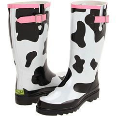 Every Dairy Farmer's wife needs a pair of these -----------------------Western Chief Cow Spots Rainboot.... I think I need these!