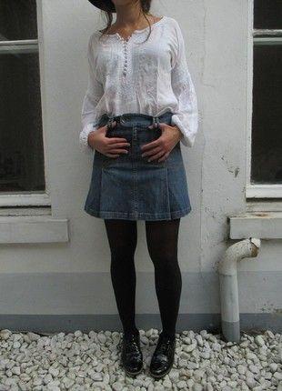 À vendre sur #vintedfrance ! http://www.vinted.fr/mode-femmes/jupes-en-jean/54218418-jupe-en-jean-bleue-plissee-taille-3638-look-vintage
