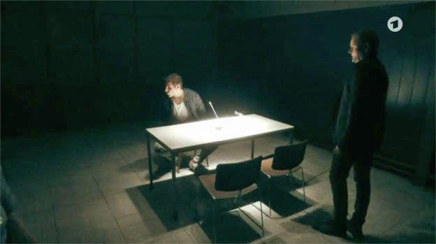 Filmbilder von 'TATORT' Saarbrücken – 'Totenstille' – Szenenbild Bärbel Menzel – Kamera Simon Schmejkal – Regie Zoltan Spirandelli
