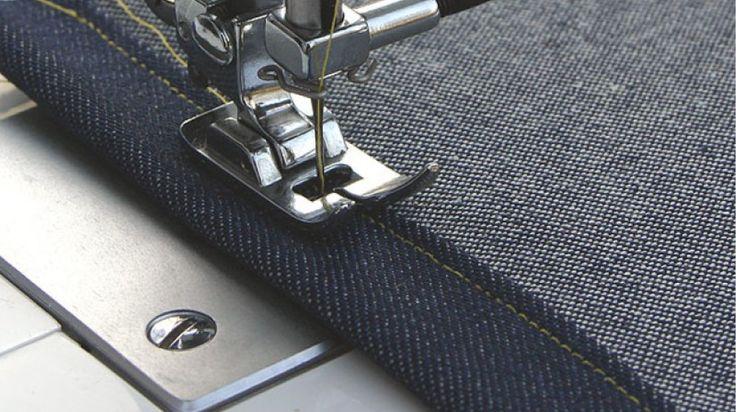 Essentieel voor mooi naaiwerk zijn uiteraard de naaimachine-naalden. We geven je een overzicht van de verschillende naaldsoorten en diktes en de toepassingen ervan.Tip: kies bij de dikte van de stof en de stofsoort, leert of suède de juiste naaimachinenaald. Er zijn namelijk verschillende machinenaalden die in dikte van 60 tot 120 variëren.Jeansnaald De versterkte schaft voorkomt het breken van de naald en het overslaan van steken. De naald wordt toegepast op dichte, harde weefsels en alle…
