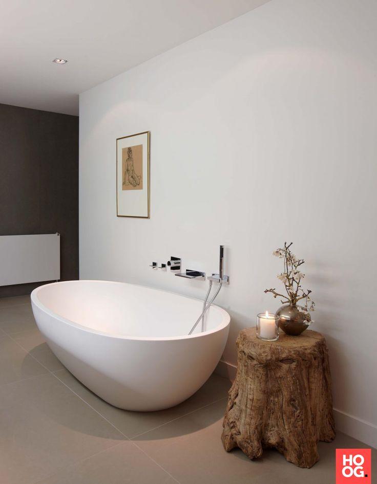 Luxe badkamer ontwerp met ronde badkuip