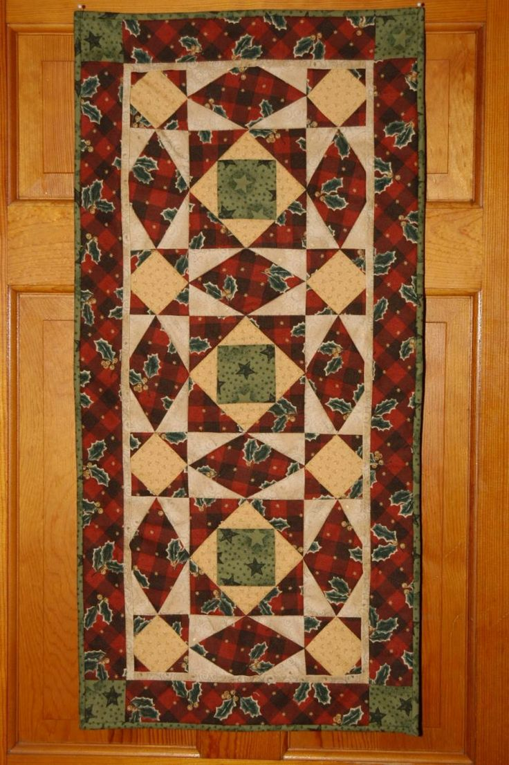 Quilting Table Runner Ideas : 17 Best ideas about Table Runner Pattern on Pinterest ...