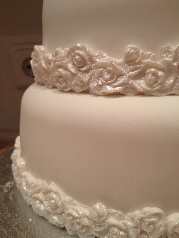 Blanca rosas. Wedding cake