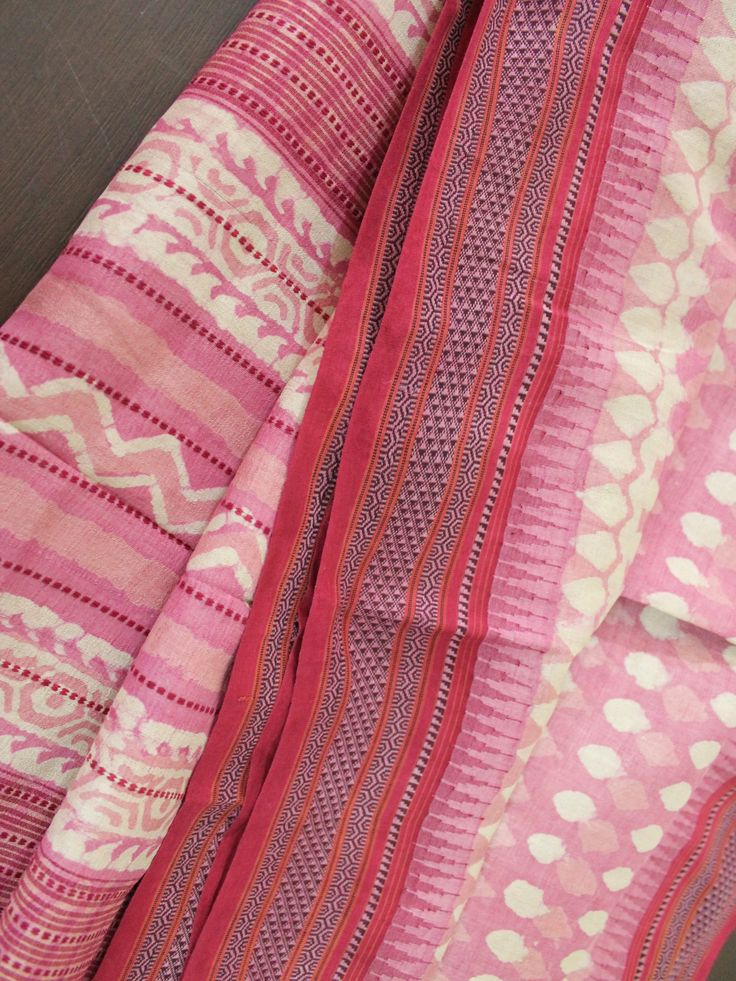 Beautoful pink dabu prints on Tussar