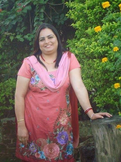 Beautiful Sexy Fat Pakistani Aunties Hot Photos  Desi