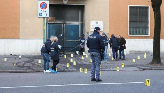 Esplode una bomba davanti la scuola di polizia a Brescia, nessun ferito