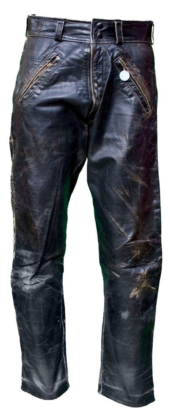 Description : des années 1950 noir cuir cheval moto pantalon avec surdimensionné…