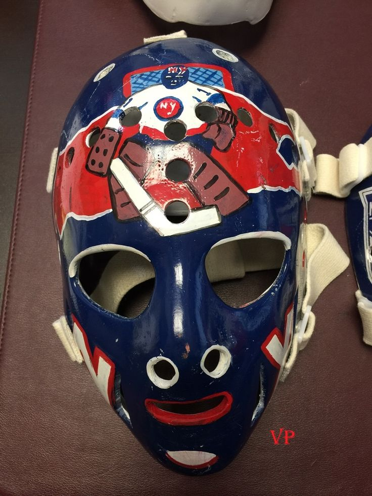 Glenn 'Chico' Resch New York Islanders - Don Scott mask.