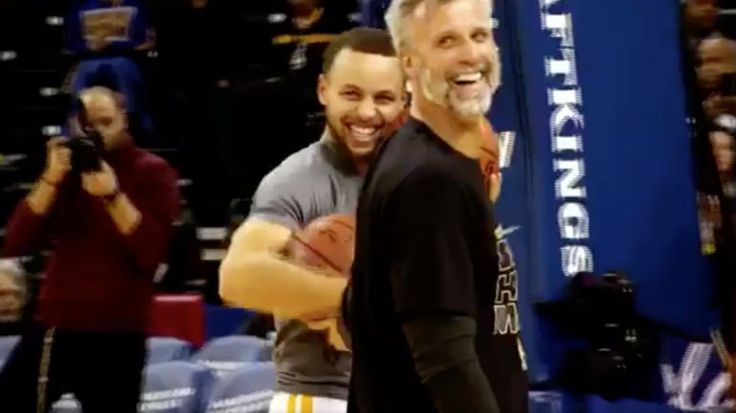 WATCH: Warriors' Stephen Curry assists his dad for deep 3-pointer http://www.sportscanyon.com/baseball/watch-warriors-stephen-curry-assists-his-dad-for-deep-3-pointer/