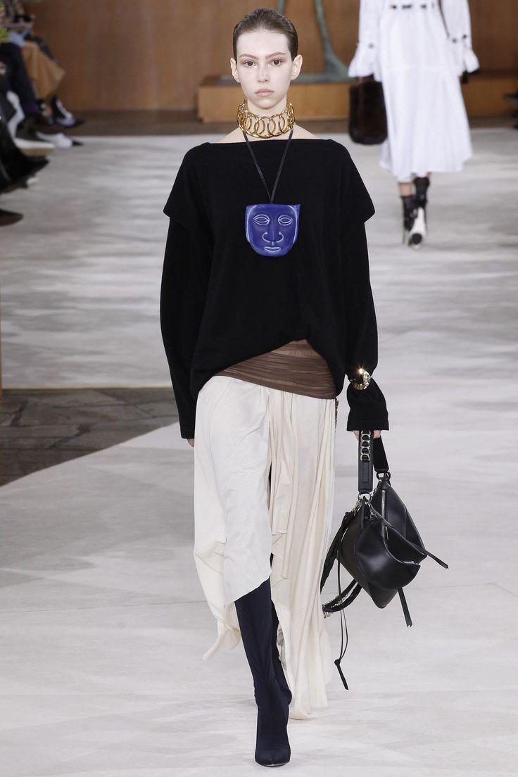 Loewe Fall 2016 Ready-to-Wear Fashion Show - Lorena Maira