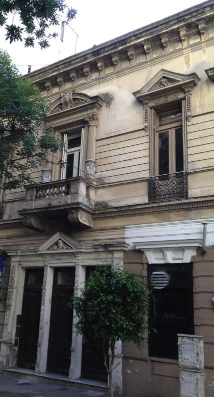 Casona del 1900. Azcuénaga y French. Recoleta, Buenos Aires.