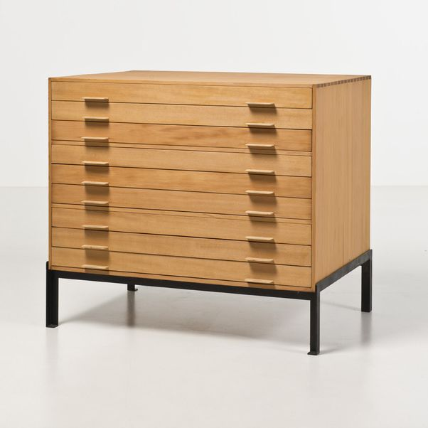 piasa poul kj rholm 1929 1980 meuble de rangement dessins pin d oregon et nickel dition rud. Black Bedroom Furniture Sets. Home Design Ideas