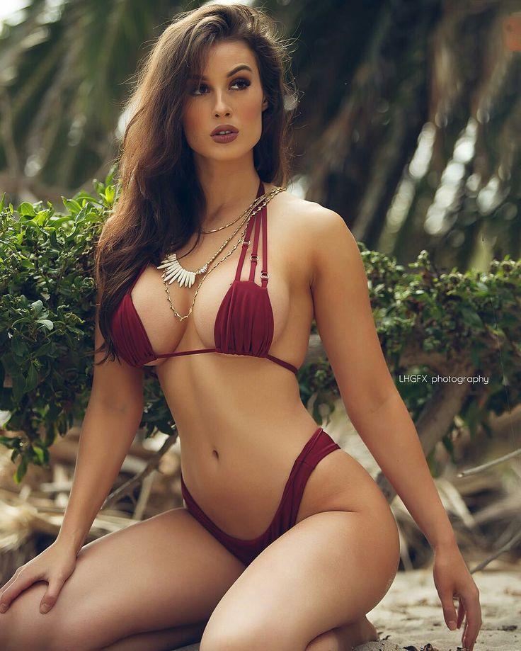 Gorgeous bikini supermodels can
