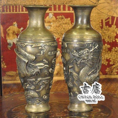 """Китайские вазы, парные """"Дракон & Феникс"""" - цена за пару. Китайские парные вазы, Дракон & Феникс - талисман, приносящий счастье, радость и умиротворение; вазы, улавливают и накапливают позитивную энергию. Изображения феникса и дракона в паре, символизирует высшую гармонию в браке."""
