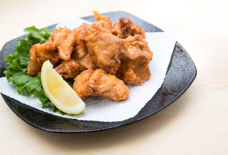 3月2日の得する人損する人で放送されたウル得マンこといけやさんによる30分スピードレシピ「鶏もも肉を使った料理」の「唐揚げ・チリソース・チキンピザ・チキントマト煮・マヨネーズ和え・Wスープの鶏茶漬け」の作り方をまとめてみました! 唐揚げをジューシーにするコツなど鶏肉をおいしく調理するためのポイントが盛りだくさんです。