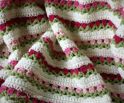 Wild Rose Vintage: Flowers In A Row Afghan