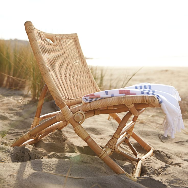 The Palisades Chair - The perfect beach seat. #serenaandlily