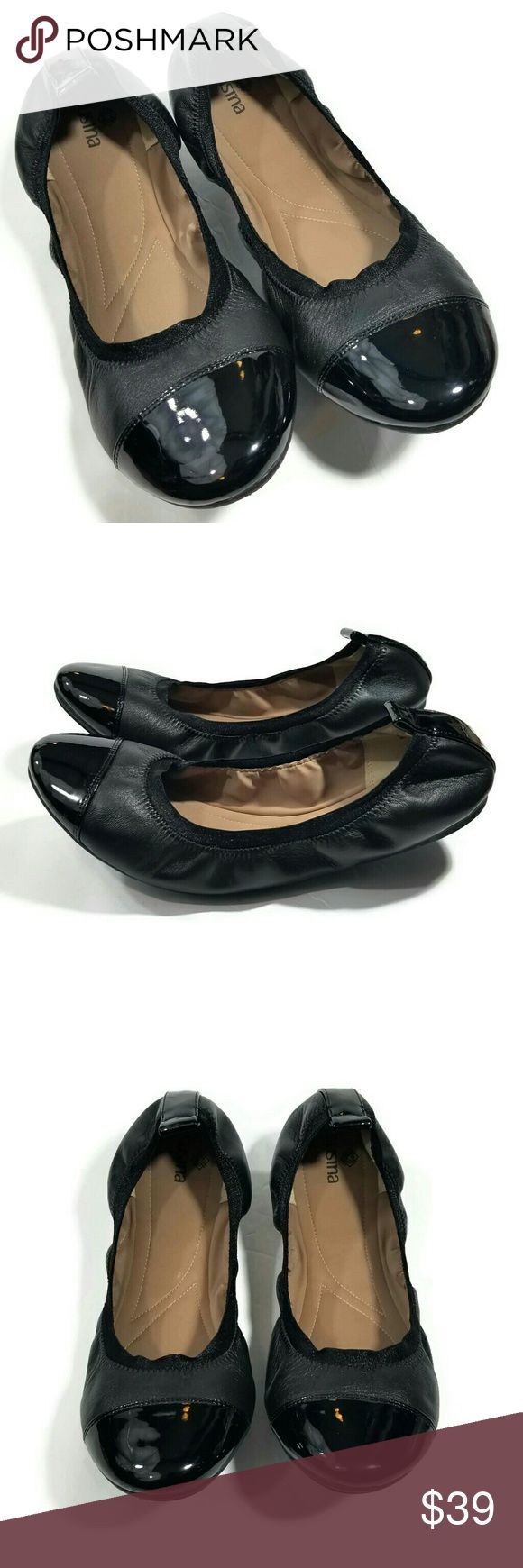 Susina black leather flats Great condition. Size 9M. Genuine leather, balance manmade. Color black with tan comfy insoles. Only used once. Elastic collar, pull tab on back of shoe, round cap toe and comfy padded footbed. From Nordstrom. Susina Shoes Flats & Loafers