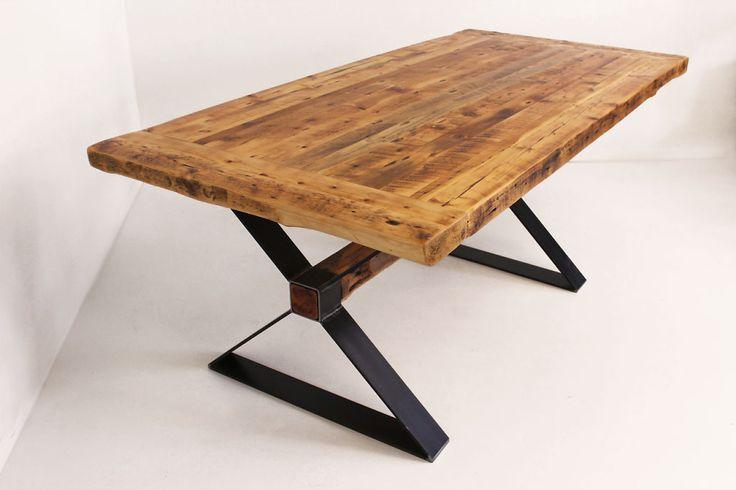 Belle table en bois antique (Bois de grange), patte en acier pour un  ~ Table Bois Industriel
