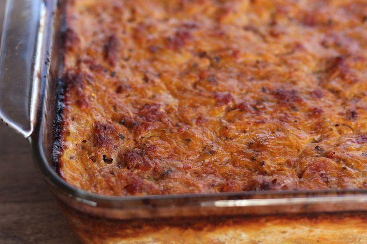 paleo pizza casserole. wonder if you could use something else besides spaghetti squash. It makes my tummy hurt.