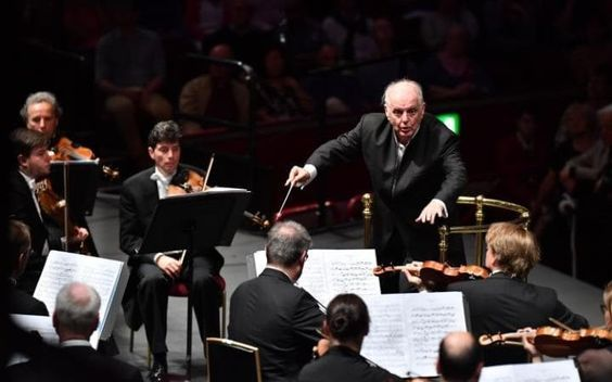 Proms 2017: Prom 4 Sir Harrison Birtwistle Deep Time(25 mins) BBC co-commission with the Staatskapelle Berlin: UK premiere  Edward Elgar Symphony No 2 in E flat major(56 mins)  Staatskapelle Berlin  Daniel Barenboim conductor