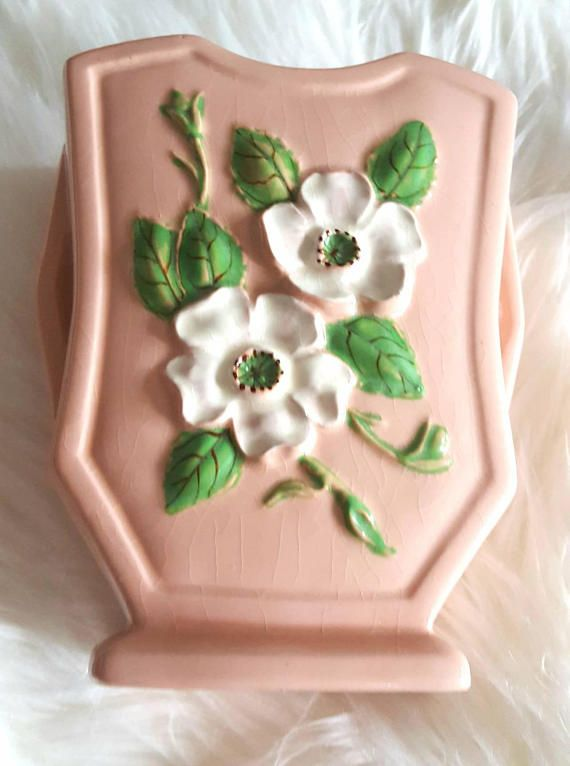 Check out this item in my Etsy shop https://www.etsy.com/ca/listing/534881222/hull-art-rosella-r-6-light-pink-vase
