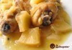 Guiso de pollo campero con piña y azafrán