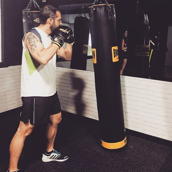 Hoy cobras  cada día me gusta más termino fundido pero reconozco que me pone las pilas. Al lío!  #boxing #punch #hit #sports #athletics #picoftheday #photooftheday #knockout #tagsforlikes #love #instagood #me #cute #happy #beautiful #instadaily #fun #igers #summer #instalike #swag #amazing