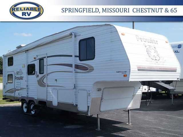 2005 Used Fleetwood Fleetwood Prowler 2952BS Fifth Wheel in Missouri MO.Recreational Vehicle, rv, 2005 Fleetwood Fleetwood Prowler 2952BS, FLEETWOOD PROWLER REGAL 2952BS MID PROFILE Deluxe Flexsteel Furniture Styling Built-in Magazine Rack Solid Passage Doors AM/FM/CD Stereo w/4 Cube Living Room Speakers, Woofer 2 Bedroom Mounted Speakers Hardwood Doors Throughout Ventilating Slide-Out End Windows Oversized Light Switches Decorative Wall Mirrors Entry Assist Handle Slide-Out Overhead Cabinet…