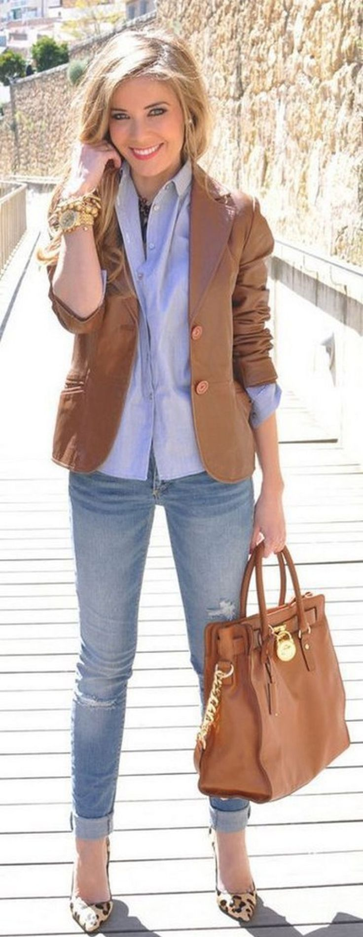 Awesome 57 Cute Blazer Outfits Ideas For Women. More at http://trendwear4you.com/2018/02/05/57-cute-blazer-outfits-ideas-women/