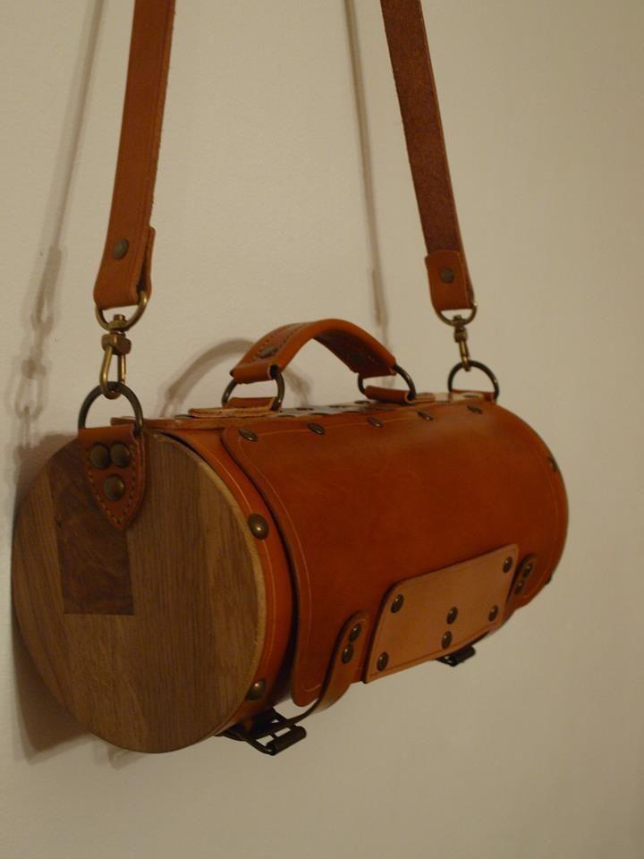 Round bag, wood side panels - Album on Imgur