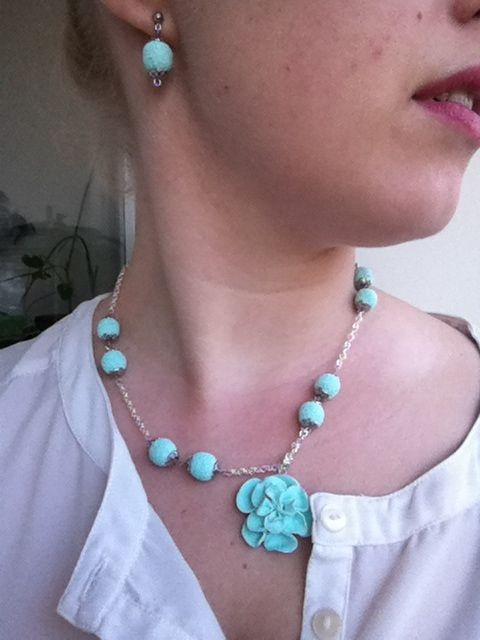 Necklace and earrings made by me, clay pearls and rose.