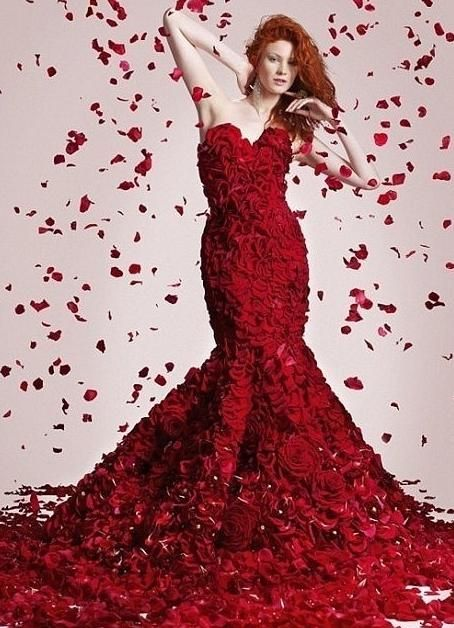 Red rose petals falling from the sky - We LOVE it!