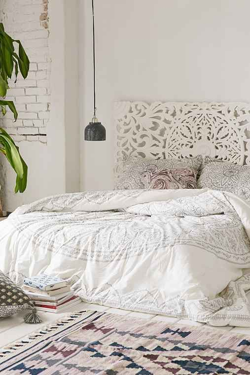 Urban Outfitters Plum U0026 Bow Soukay Delicate Comforter $169