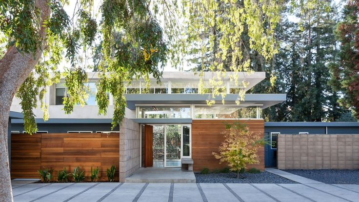 Whenever Jay and Melissa of Serrao Design/Architecture are tasked with transforming an older home, they try to heighten its inherent qualities, rather than working against its initial intentions. This is exactly what they did when they were tasked with remodeling an original Eichler home in Menlo Park, California.