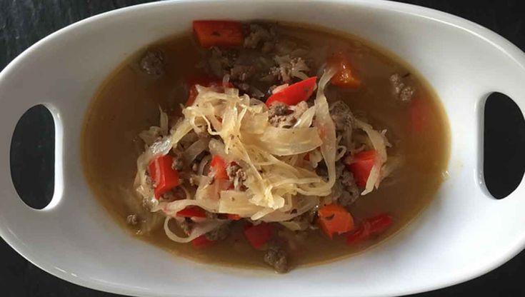 So vielseitig kann Sauerkraut sein! Die Sauerkraut Suppe schmeckt und macht ordentlich satt. ✓Einfach ✓Unkompliziert und ✓Schnell - Kochen im Alltag.