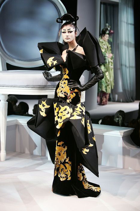 Ginko gown. Dior collection by John Galliano Spring/Summer 2007. His most beautiful collection!