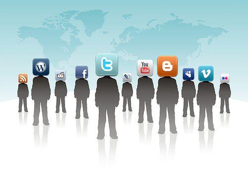 6. Democracia informativa: Representa el poder de las redes sociales en la democracia de la información, ya que a través de ellas las personas eligen, comparten y almacenan todo tipo de información, proponiendo sus opiniones y sus desacuerdos hacia ellas y eligiendo cual es la que más les convence y cuál es la que más se creen. Por lo tanto también son las culpables del exceso y confusión que se crea hacia el público de cierta información que no está contrastada o que es divulgada…