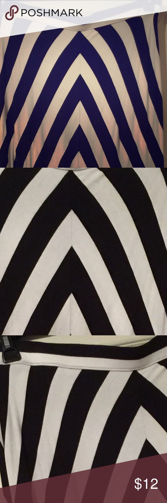 Jessica Simpson black and white  maxi skirt 1X Black and white chevron striped maxi skirt 1X Jessica Simpson Skirts Maxi