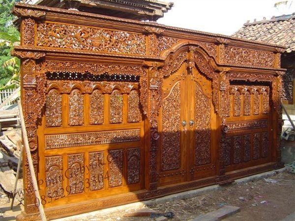 "Gebyok 7 Meter Ukiran Jepara- the Tsar Gebyok- 7 metres wide traditional Javanese gebyok door and surround. Probably suited for a nobles' mansion or ""joglo""."