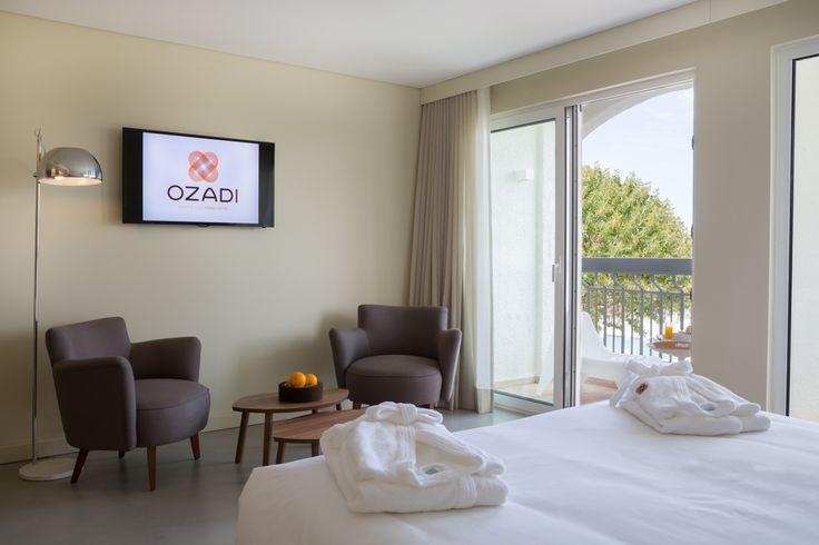 Superior Premium Room at OZADI TAVIRA HOTEL, Eastern Algarve, Portugal. (©all rights reserved)