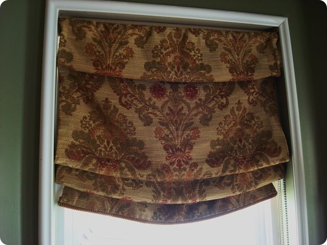 Want to make these using the black & white damask table runners from Hobby Lobby for the windows in my dining room.: Diy Romans, Craft, Diy'S, Roman Shades So, Roman Shades I, Diy Shades, Faux Roman Shades, No Sew Roman