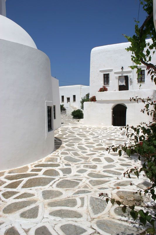 Kastro, a quarter of authentic Cycladic style