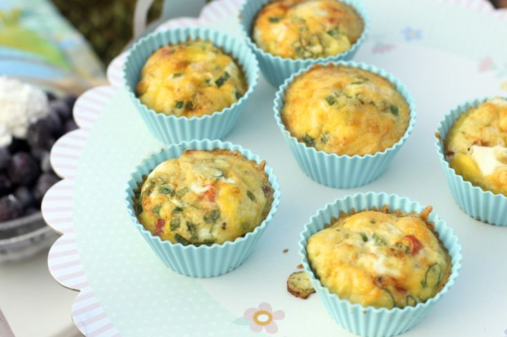 breakfast egg cups: perfect for on-the-go, keeps in the fridge for a week, and are individually customizable!