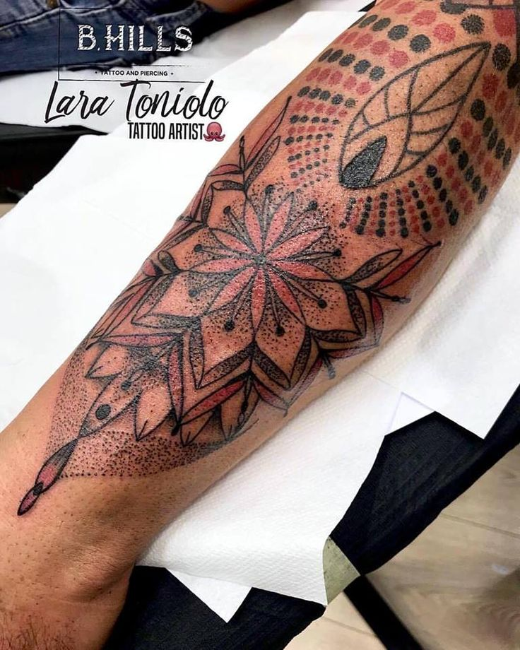 • DOTWORK ARM •  Tattoo Artist LARA TONIOLO TATTOO ARTIST Info, Booking & Collaboration 0495972925  info.bhills@gmail.com  www.bhillstattoostudio.com  #BHillsTattooCompany #LaraTonioloTattooArtist #DotworkTattoo #TattooArm #MandalaTattoo#GeometricArm #tattoodman #geometricflower #Cittadella #Veneto #Italy #TattooArtist #laraTattoo #LaraBhills
