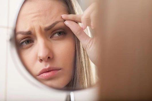 ¿No estás contenta con tus cejas? ¿Cansada del maquillaje semipermanente? El #DrPanno ha desarrollado un procedimiento único y revolucionario que combina el trasplante de pelo en cejas por técnica FUE con el microblanding para devolver a tus cejas su forma original. ¡Conoce I-brow, la última tecnología para el tratamiento de cejas!
