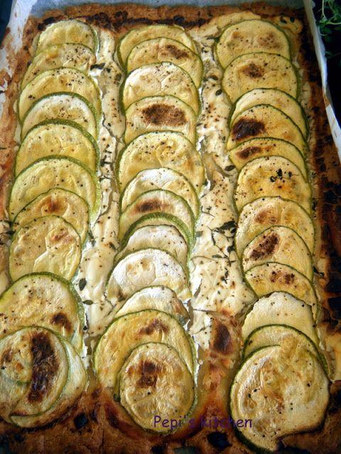 Τάρτα με κολοκυθάκια και κατσικίσιο τυρί http://pepiskitchen.blogspot.gr/2012/06/blog-post_05.html
